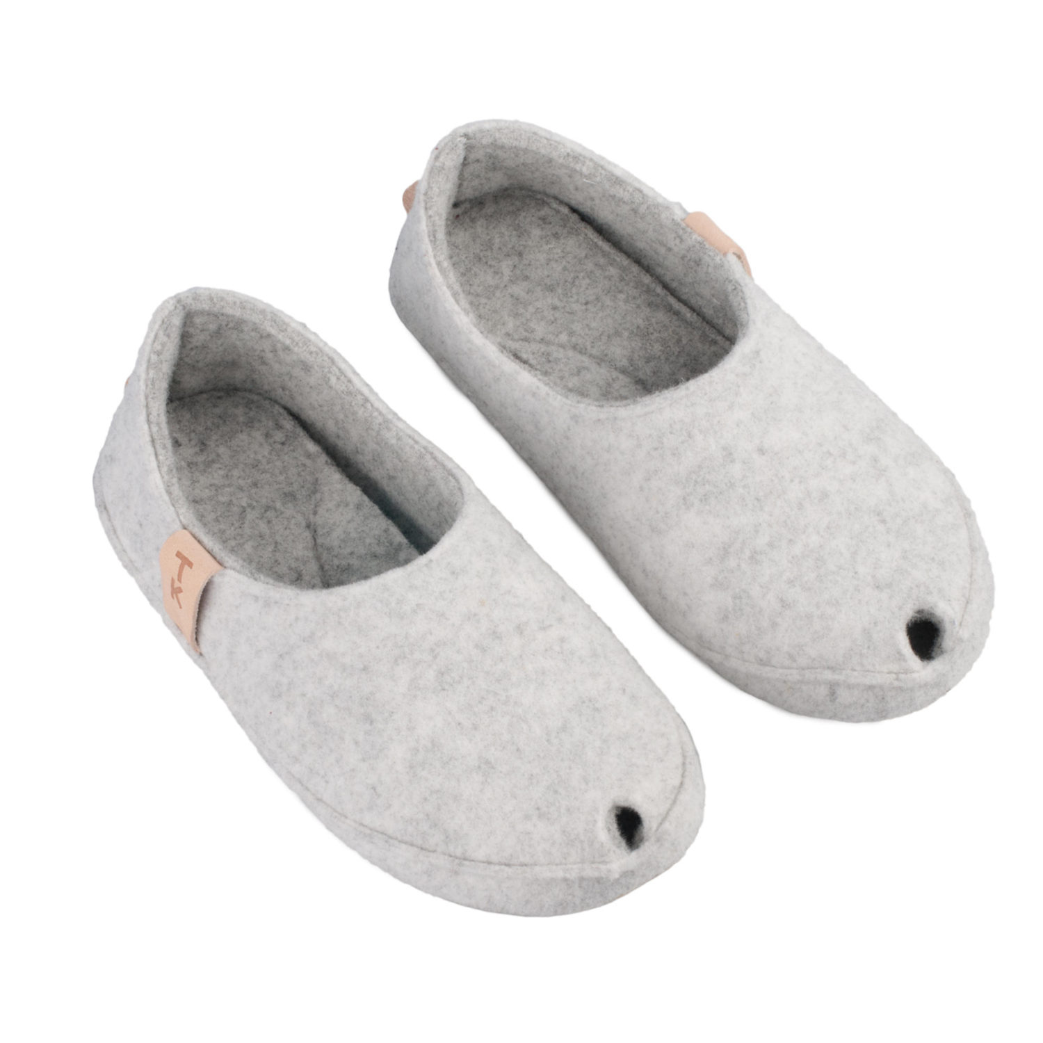 TOKU Budapest comfortable indoor slippers