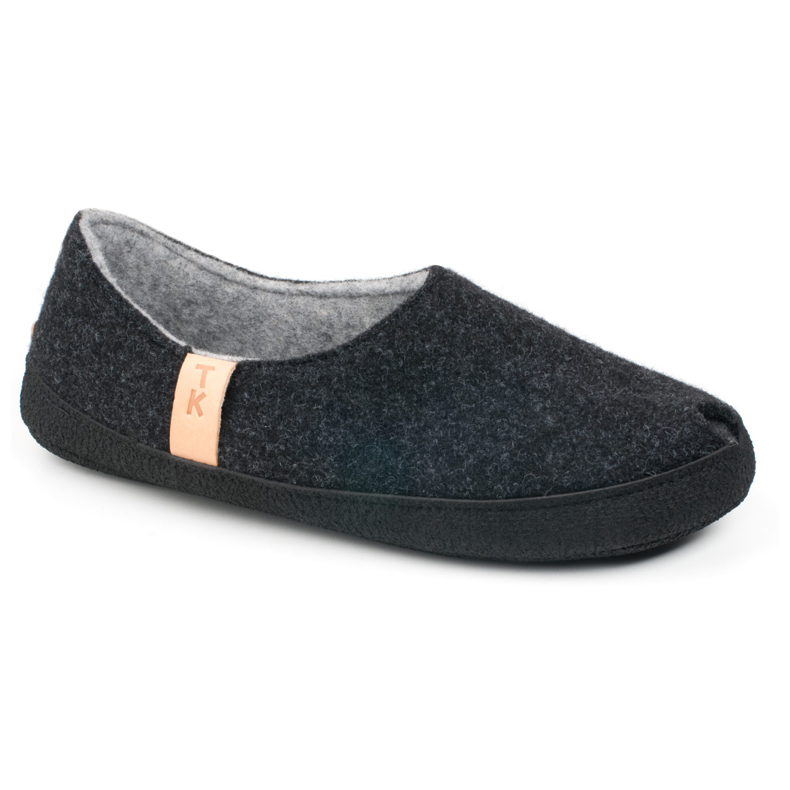 Toku-Budapest-indoor-slippers-v1