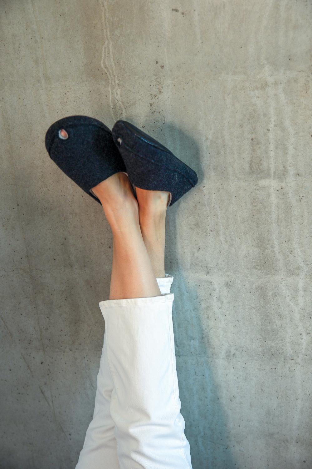 Toku-Budapest-indoor-slippers-v4