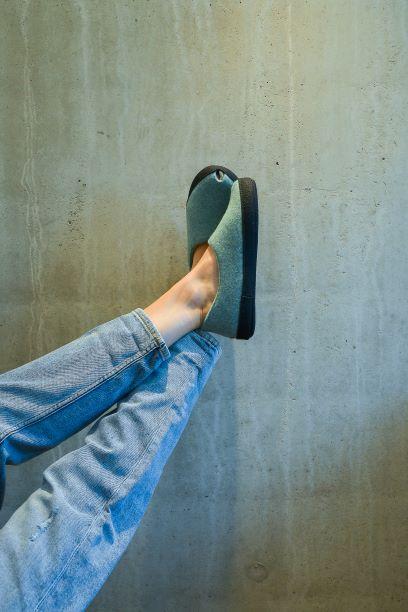 Toku-Budapest-indoor-slippers-v8
